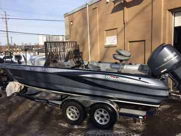 Picture of Triton 215 Walleye